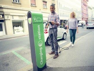 پروژه خودروهای برقی و زیرساختهای شارژ و کمک دولتها