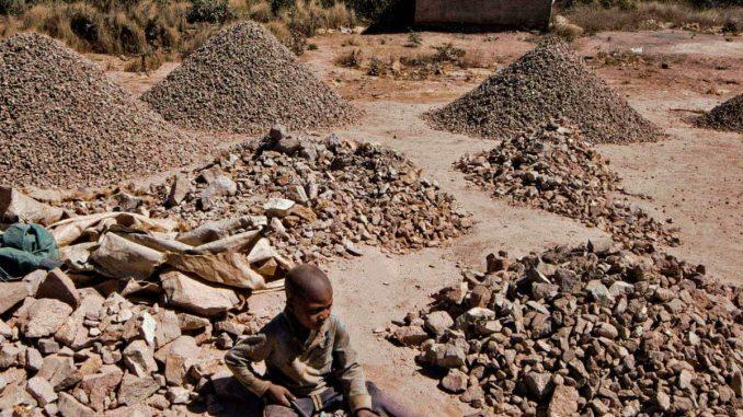 آثار منفی استخراج مواد معدنی برای توسعه انرژیهای پاک