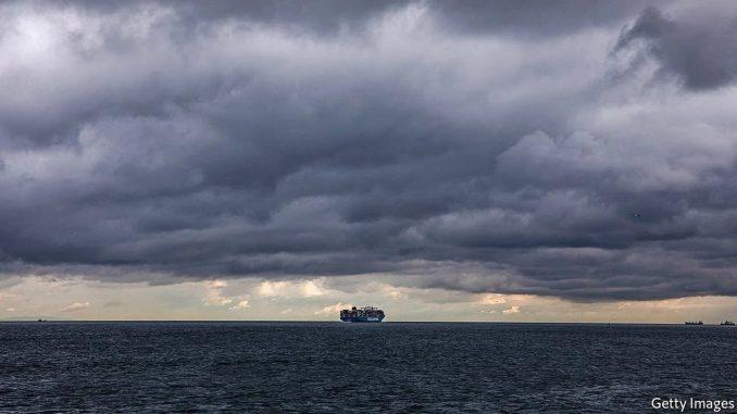 تحول الگوی تجارت جهانی به دلیل طولانی شدن اختلال در حملونقل با کشتی